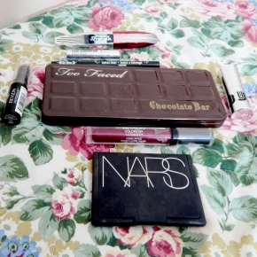 HAULY MOLY – PART ONE –MAKEUP!